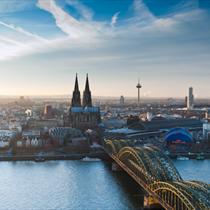 Vista del ponte e della cattedrale di Colonia