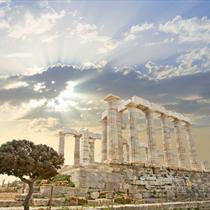 Il tempio di Poseidone dal basso