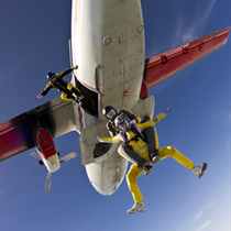 Salto con il paracadute