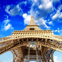 Vista dal basso della Tour Eiffel