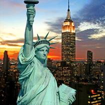 La statua della libertà e i grattacieli di New York