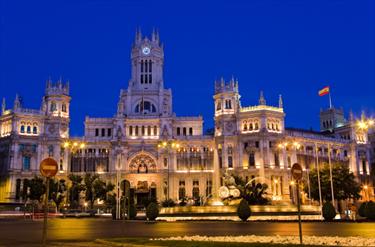 Piazza di Madrid di sera