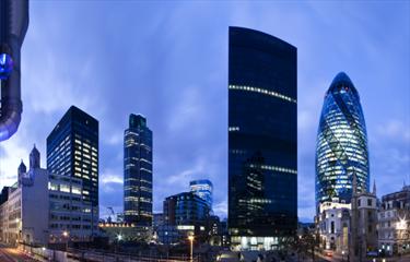 Paesaggio serale del Financial District di Londra