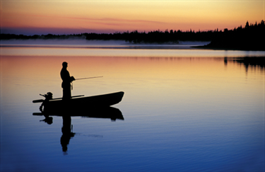 Uomo a pesca