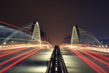 Ponte a Barcellona di notte