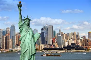 La statua della libertà e New York