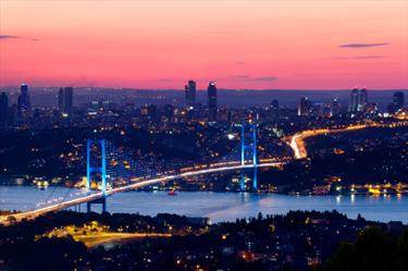 Istanbul Bosporus Bridge al tramonto