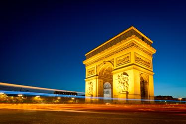 Arco di Trionfo a Parigi di notte